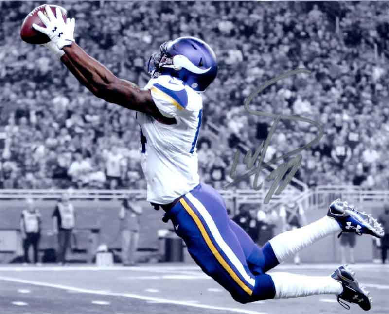 PRE-SALE: Stefon Diggs Autographed Stretching Out Custom 8x10 Photo