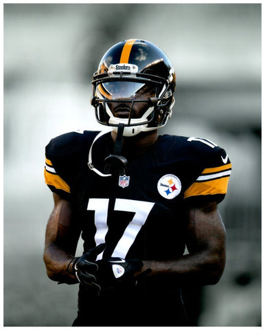 Eli Rogers Waist Up with Helmet On Unsigned 8x10 Photo