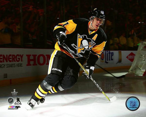 Evgeni Malkin Skating Under Spotlight 8x10 Photo - Unsigned