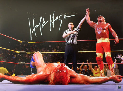 Hulk Hogan With Hand Raised By Ref In Victory 16x20 Photo - Signed