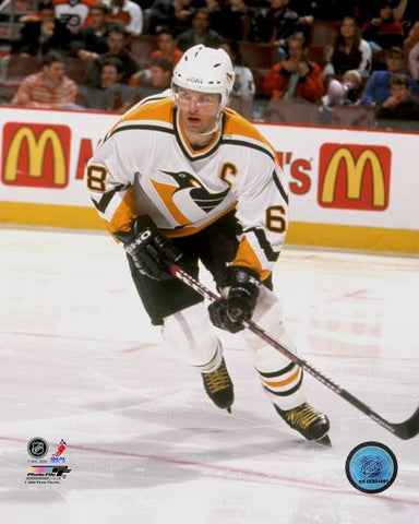 Jaromir Jagr Skating in Pittsburgh Penguins White Uniform 16x20 Photo-UNSIGNED