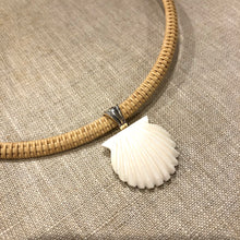 Nantucket Basket White Scallop Necklace in Silver