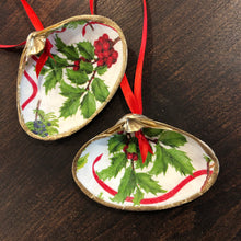 Holly & Berries Clam Shell Ornament