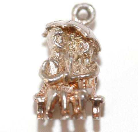 Chim Sweehearts Sitting On Park Bench  Sterling Silver Vintage Charm