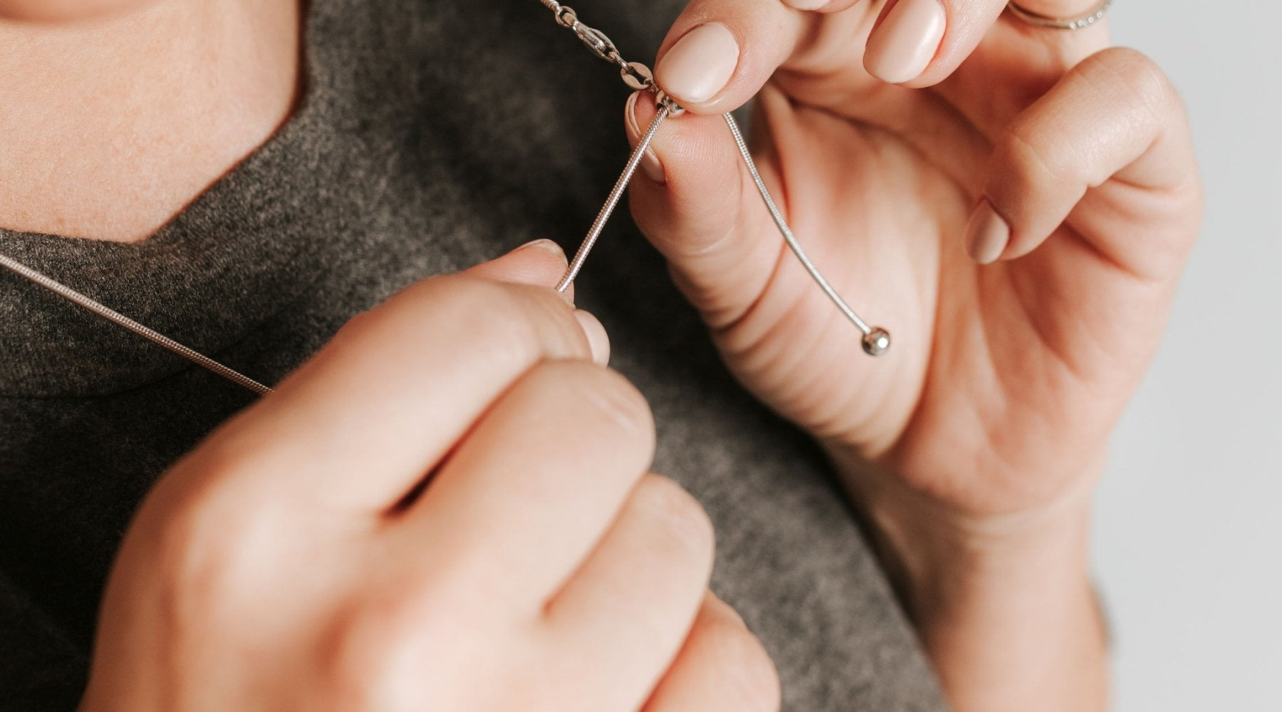 Adjustable Chains: The Perfect Necklace Sizes for Every Occasion in One Chain