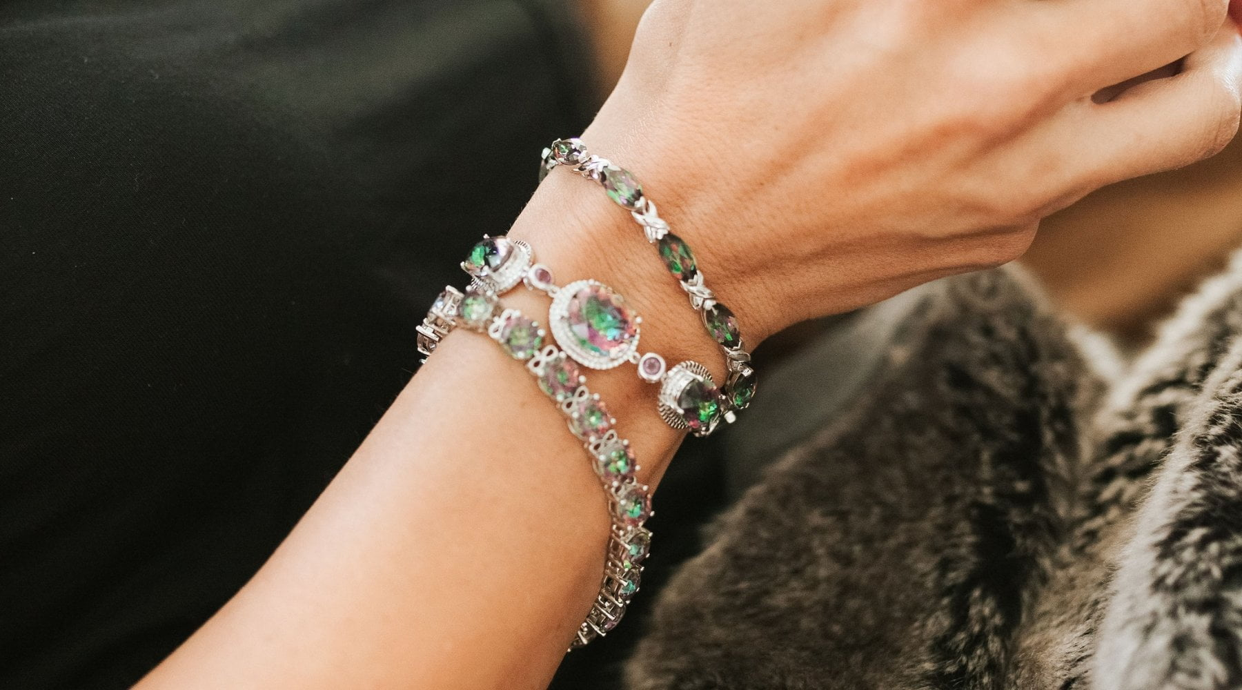 9 Fashion Tips for Wearing Bracelets on Both Wrists