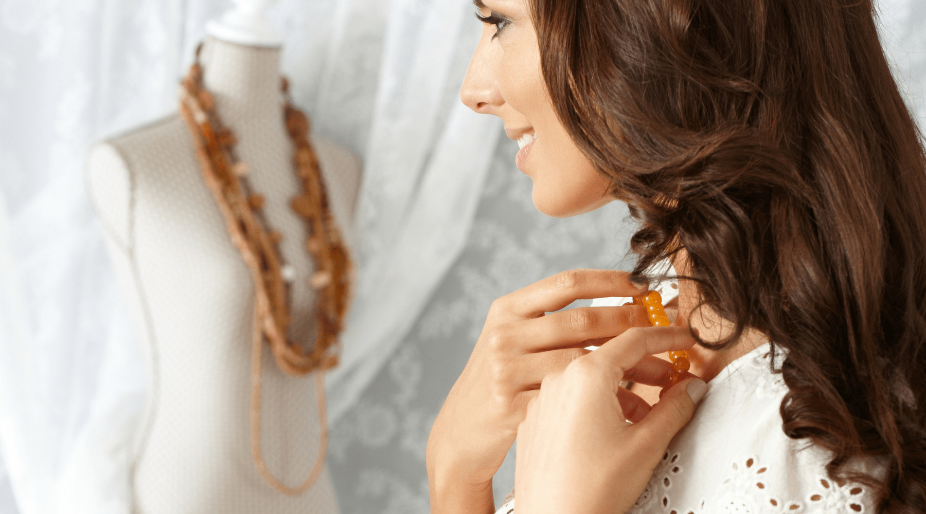 Necklaces for Her: Helpful Tips for Buying Gift Jewelry