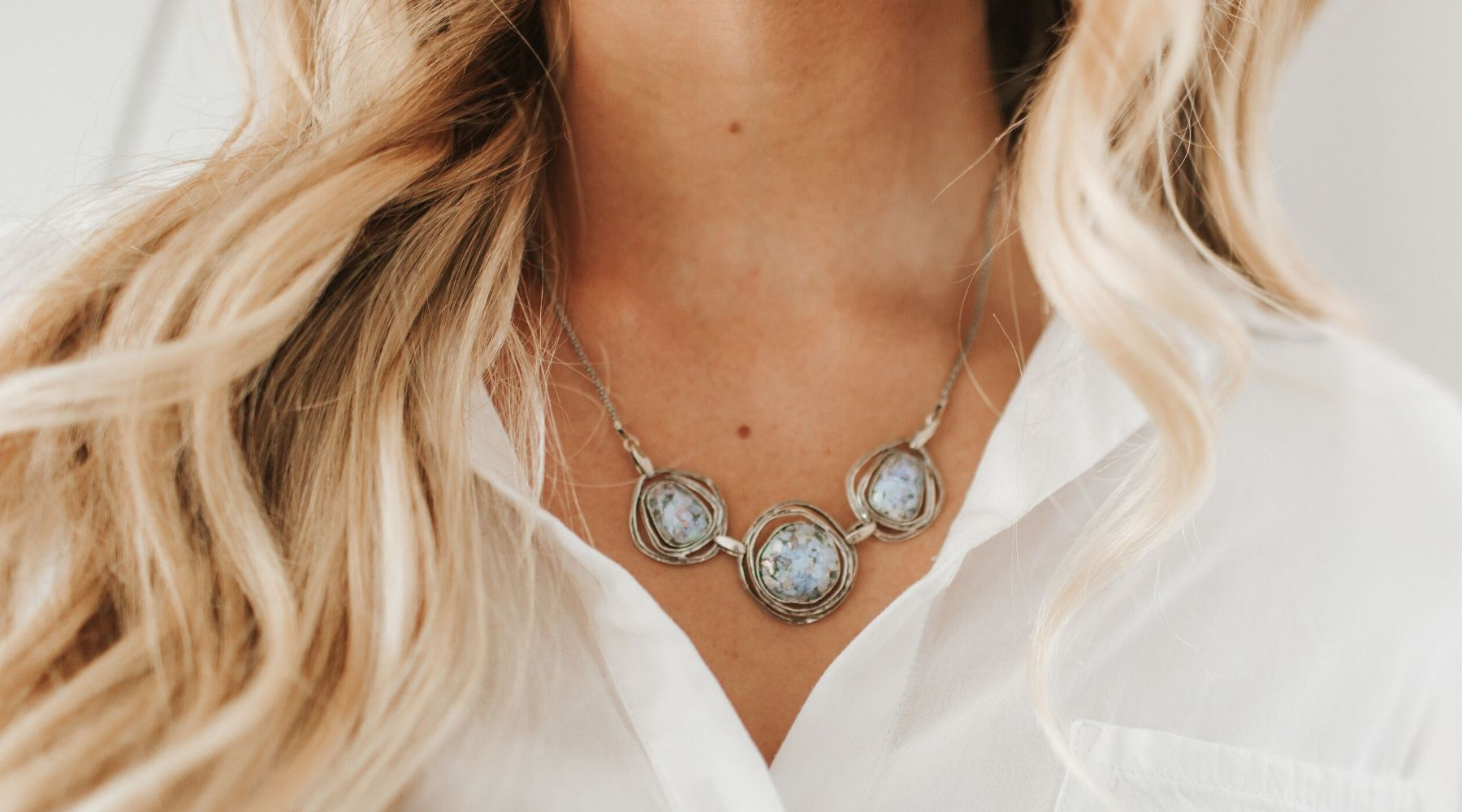 Choosing the Best Chunky Statement Necklace for Any Occasion