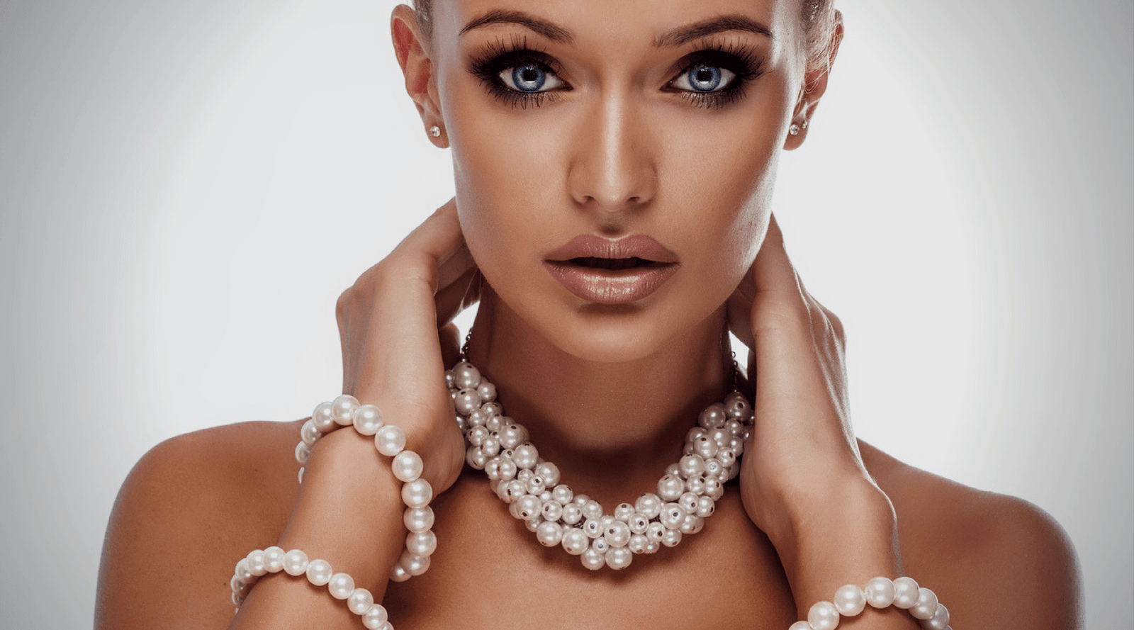 9b66a0f0f How to Wear Pearls and Stay Modern