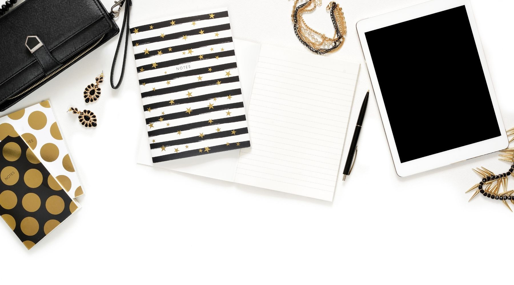 Office Flair: 5 Tips on Wearing Office Fashion Jewelry