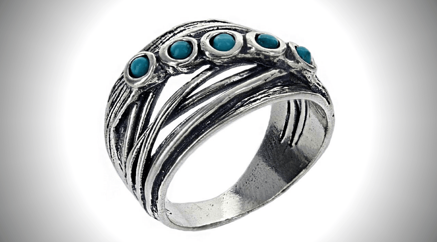 How to Clean Sterling Silver Rings With Gemstones