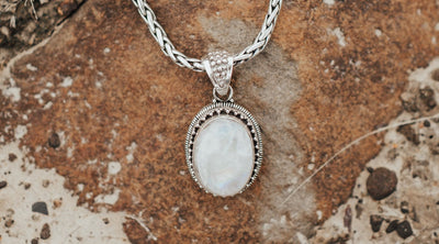 What is the Meaning of Moonstones?