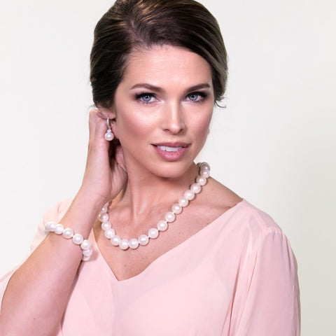 Watch - How to multi wear strand pearls video