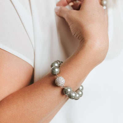 "Masami 7"" South Sea Shell Pearl Bracelet with Crystal Clasp (Gray)"