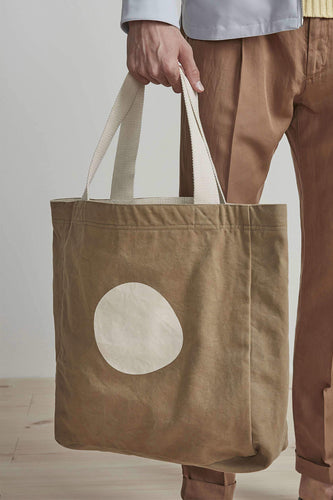 NN07 Organic Cotton Shopping Tote Bag (Dark Khaki) Model