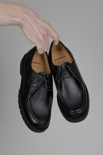 Kleman Padror Signature Leather Moc Toe Shoes (Black) Hands