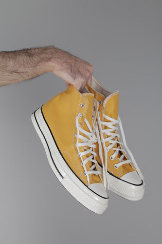 Converse All Star Chuck '70 Hi (Sunflower / Yellow) Hands