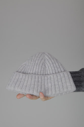 Half Dozen Super-Soft Lambswool Fisherman Beanie (Pearl Grey)