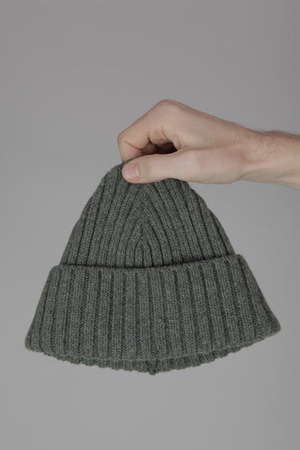 Half Dozen Super-Soft Lambswool Fisherman Beanie (Moss Green)