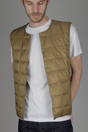 Taion 004 V Neck Button Down Vest (Beige) Open