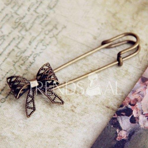 Vintage Simple Hollow Bowknot Embellished Brooch Pin For Women
