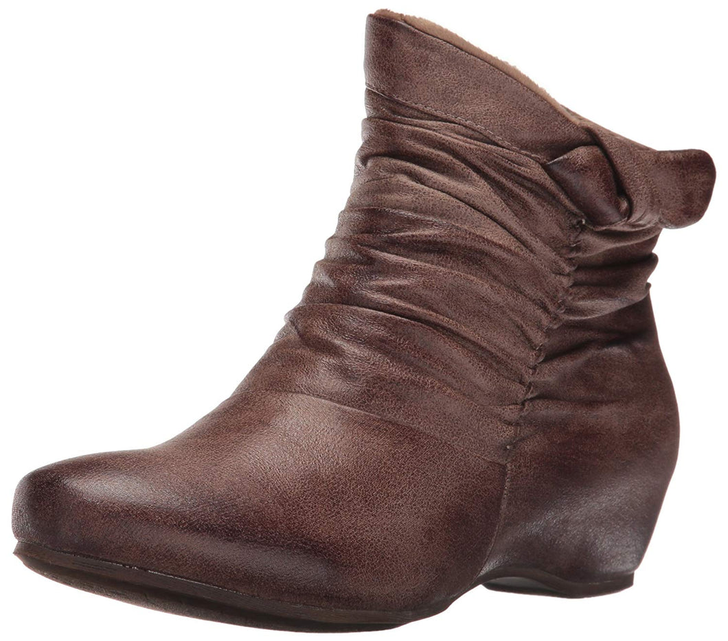 BareTraps Women's BT SAKARI Boot
