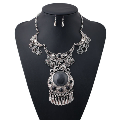 "FREE!! Gypsy Vintage Statement Jewelry Set Necklace & Earrings ""KEZIA"" in Silver or Gold"