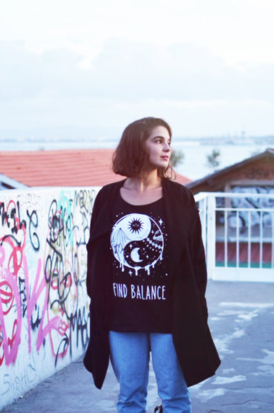 Yin Yang And Good Vibes T-Shirt