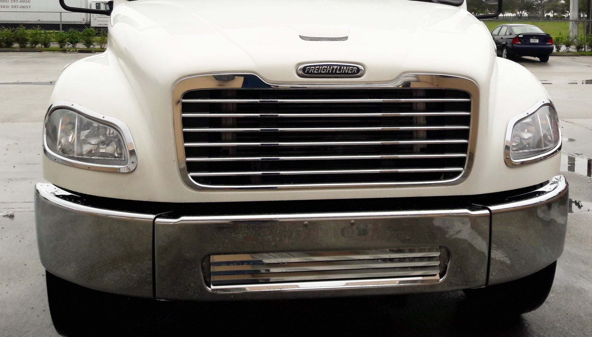 freightliner business class m2 fuse box 29 92    business class m2 106 chrome bumper 21680 up fits  business class m2 106 chrome bumper