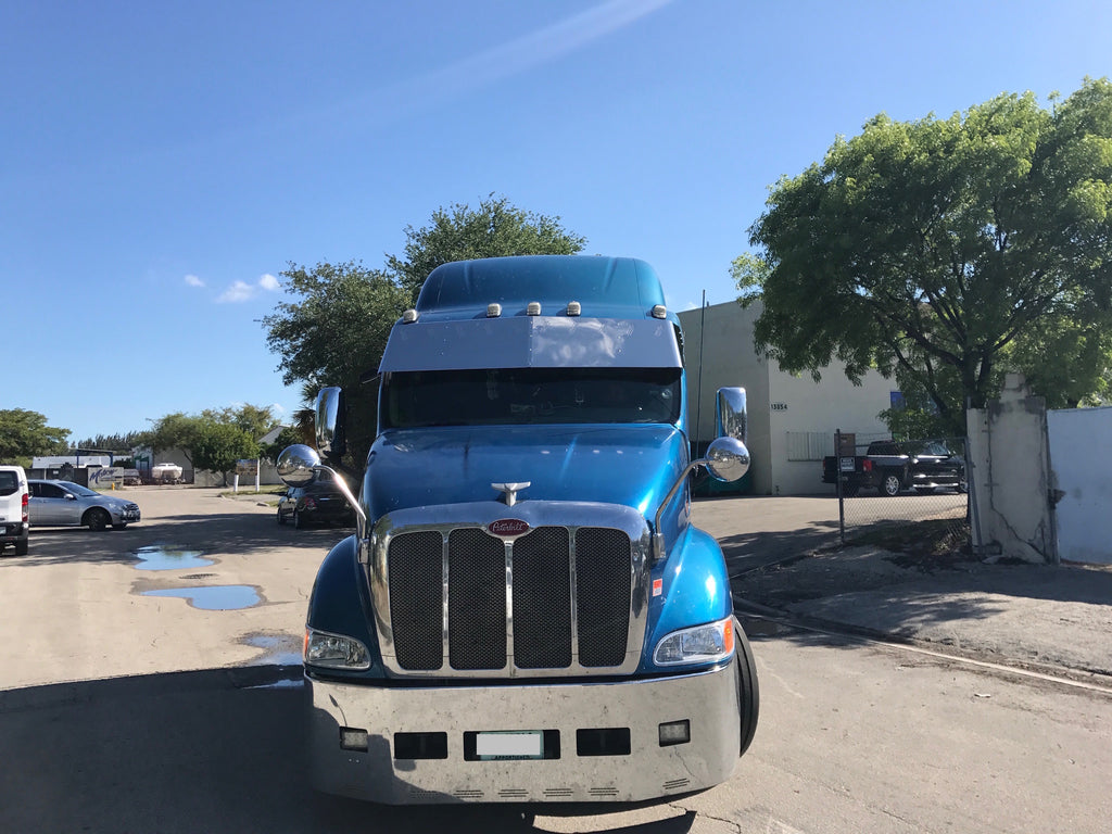 """19""""-20"""" Middle Peterbilt 387 visor with 10 hidden lights Included In Price"""