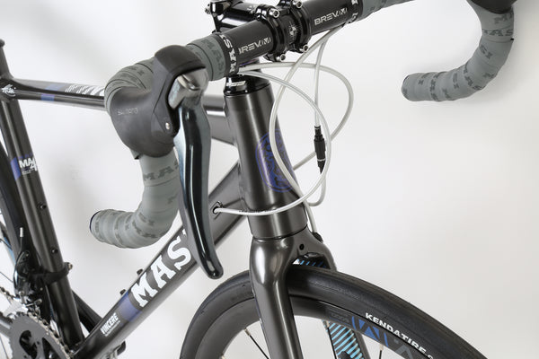 2018 Masi Vincere Bellissima Charcoal Abalone Detail 1.