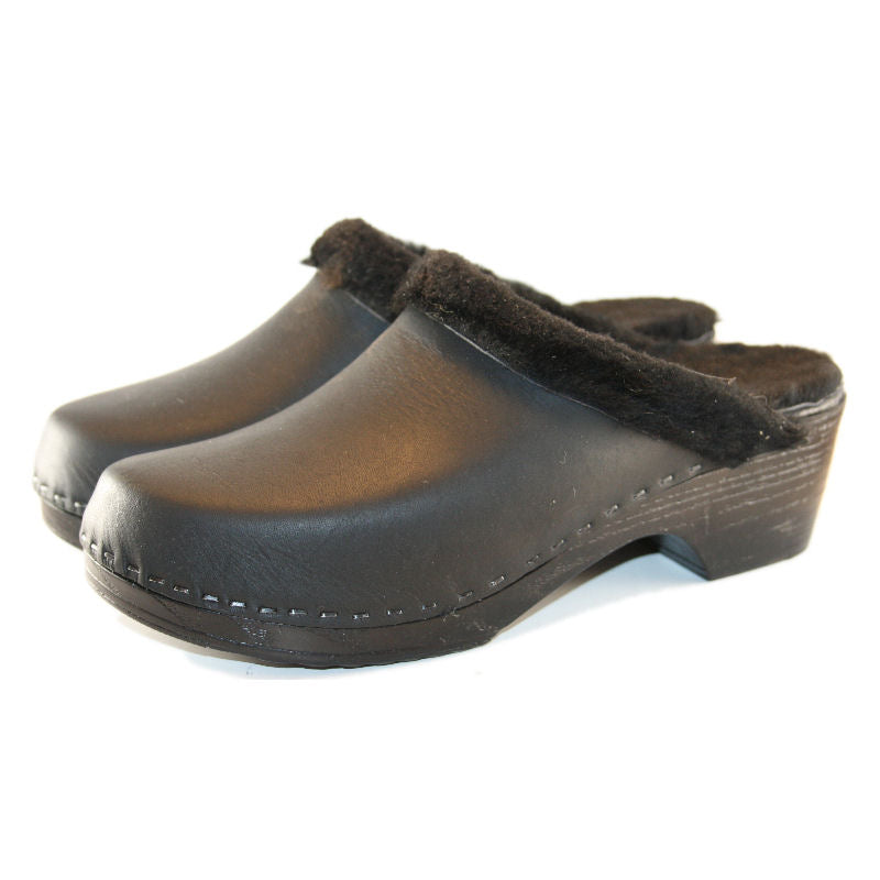Black Shearling lined Clogs on a flexible sole in Black Leather with Black Shearling