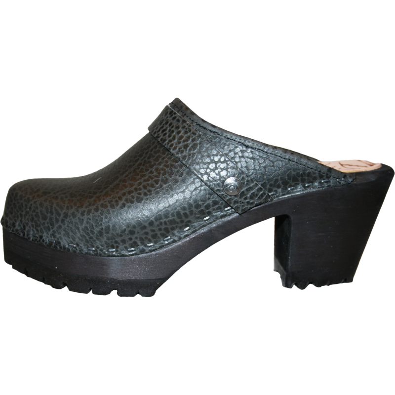 Black Pebbled Leather on High Heel Mountain Sole