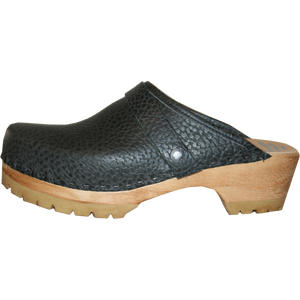 Black Pebbled Leather Natural Stain Mountain Clogs Snap Strap