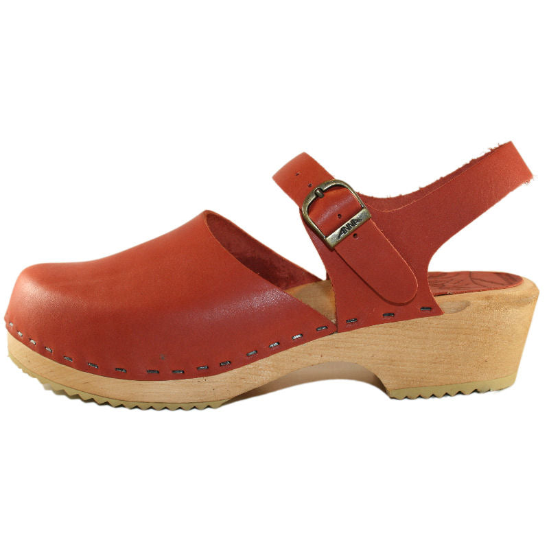 Brick Closed Toe Moa Sandal on a traditional woodheel