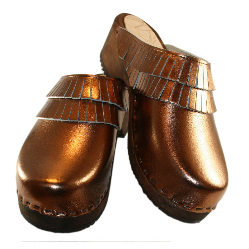 Clogs with Fringe Annie in Bronze Metallic Leather