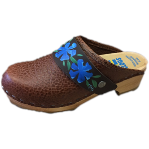 Traditional Heel Caramel Pebbled Leather with Hand Painted Cornflower Snap Strap