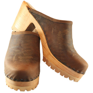 Chocolate Oil Tanned Leather High Heel Mountain Clog