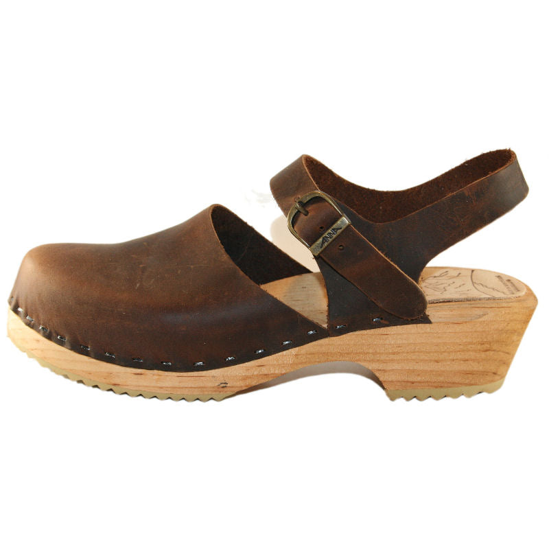 Clog sandal in Chocolate Brown Oil Tanned Leather