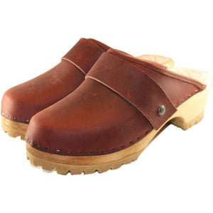 Dark Brick Mountain Clogs with wide snap strap