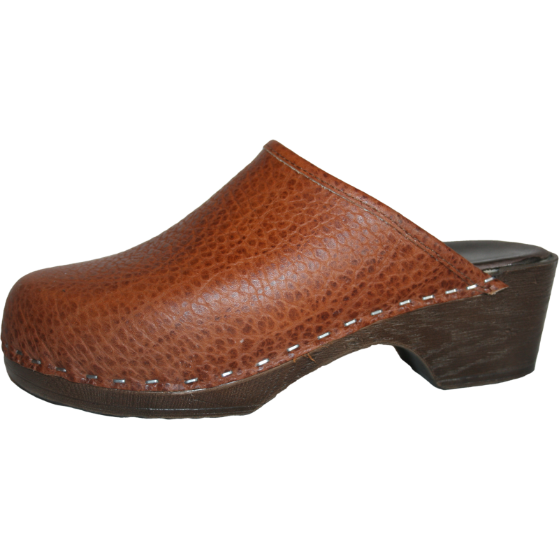 Tessa Flexible Clog in a Textured Pebbled Leather