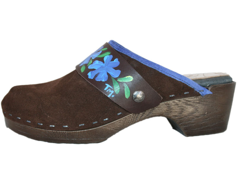 Flexible Tessa Clogs in Brown Suede with a Cornflower Strap
