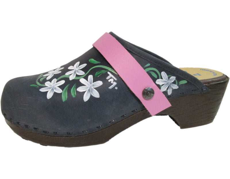 Tessa Clogs in a flexible sole, painted in our Axelina design