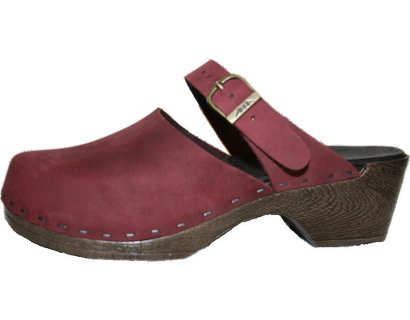Tessa Flex Sandal Clog in Red Zin Nubuck