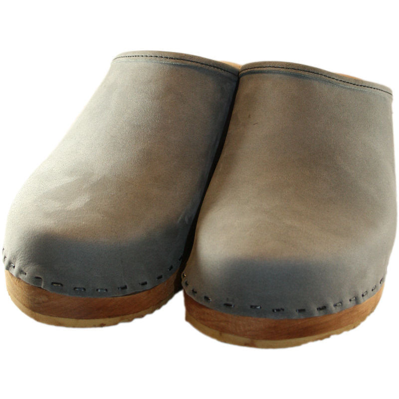 Plain Traditional Heel Clog in Light Gray Leather
