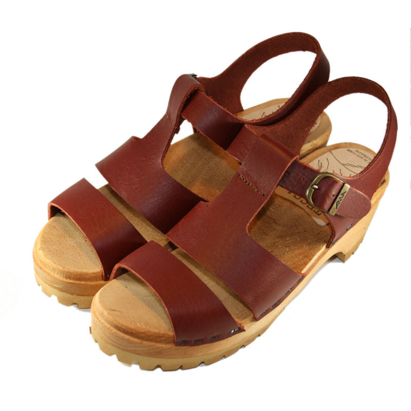 Red Mahogany Tina Sandal on our Mountain sole