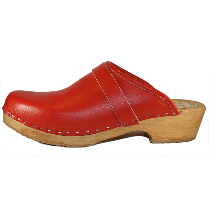 Men's Red Traditional Heel Clogs Stapled Strap
