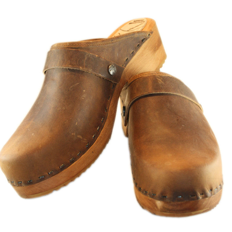 Rustic Brown Distressed Oil Tanned Leather Traditional Heel