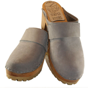Steel nubuck Mountain clog with wide Snap strap