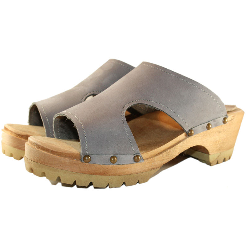 Brita sandal Mountain Clog in Steel Nubuck